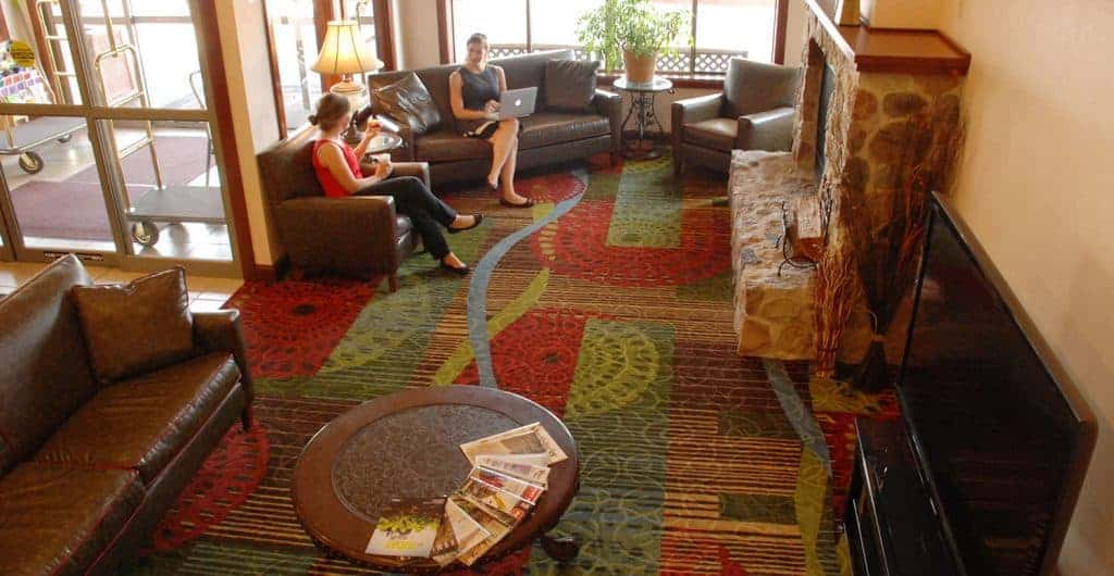 pet friendly hotels in winona mn